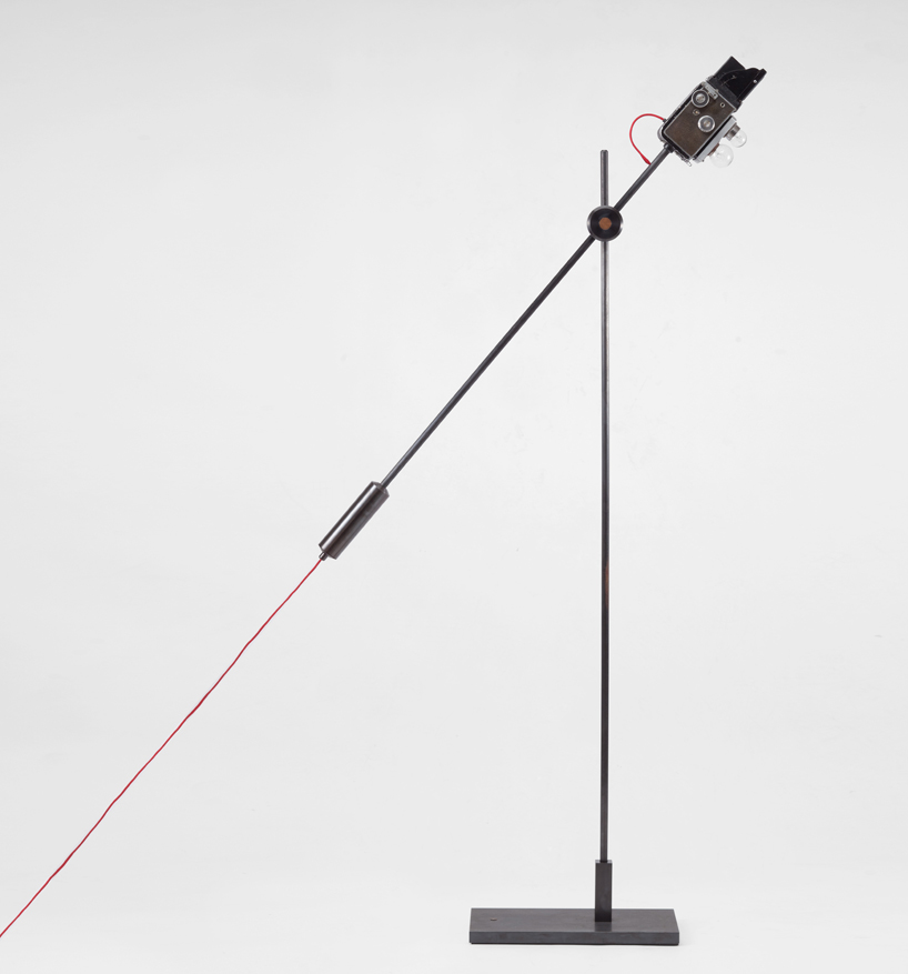 discarded-cameras-reborn-as-lamps-designboom02
