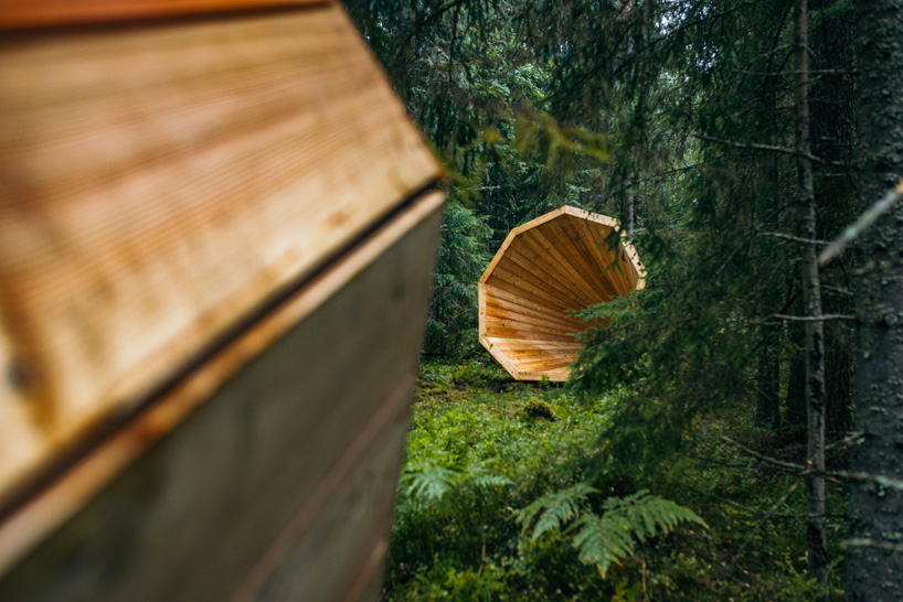estonian-students-forest-megaphones-library-rooms-voru-county-designboom-02